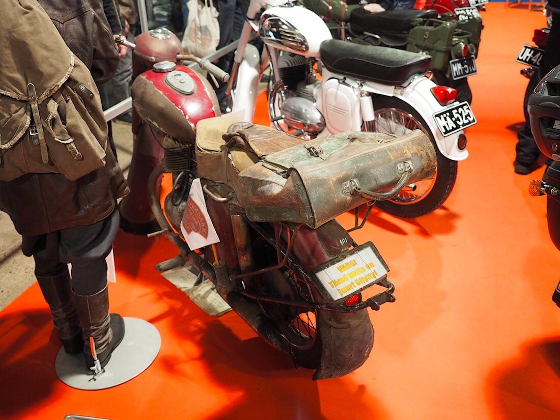 Patinoitunut 1956 Jawa 353 250cc. Kuva: Kai Lappalainen. Lisenssi: CC-BY-40.