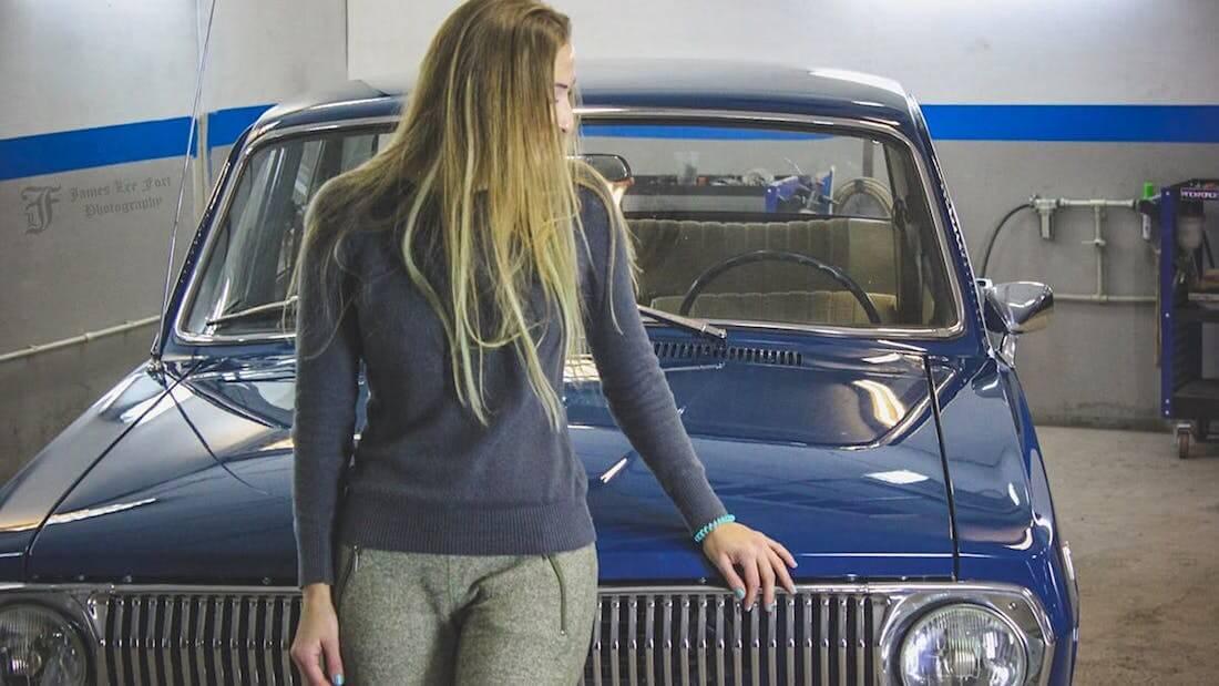 Entisöity 1976 Volga GAZ24 ja Viktoriya Sultanbekova. Kuva ja copyright: RoadCarsMasters.