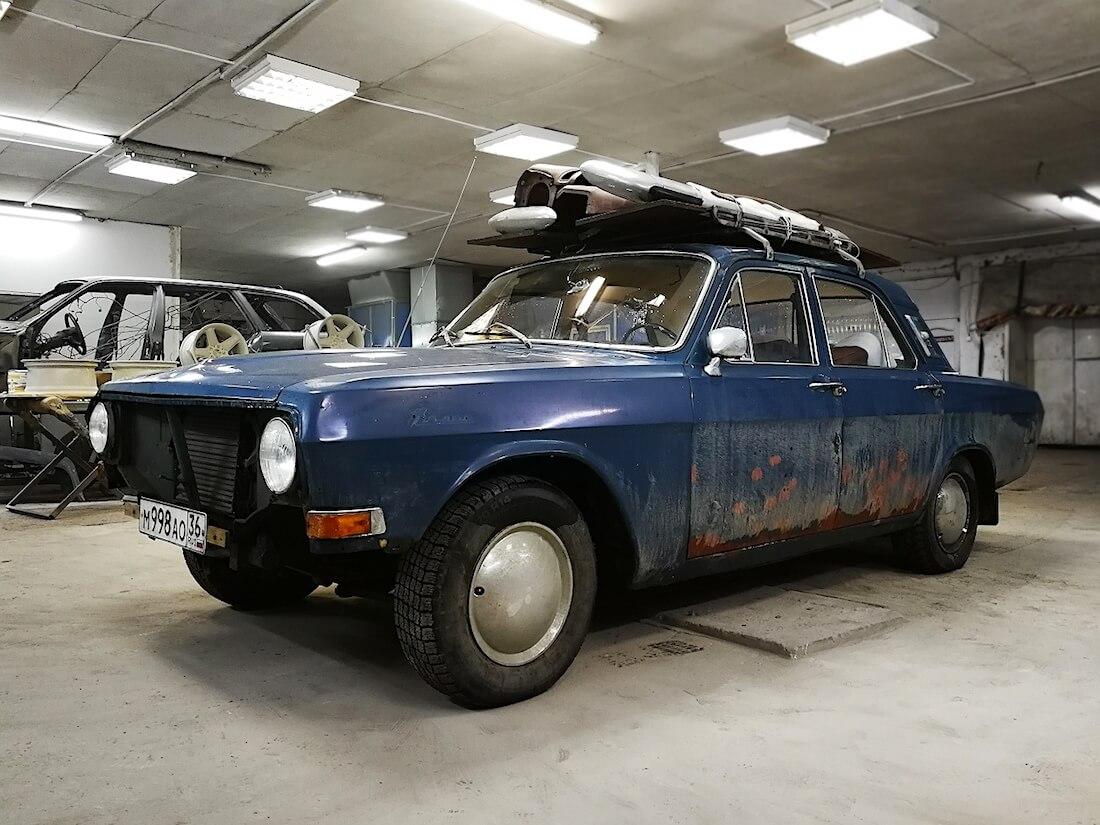 Sininen 1976 Volga GAZ-24 projektiauto. Kuva ja copyright: RoadCarsMasters.