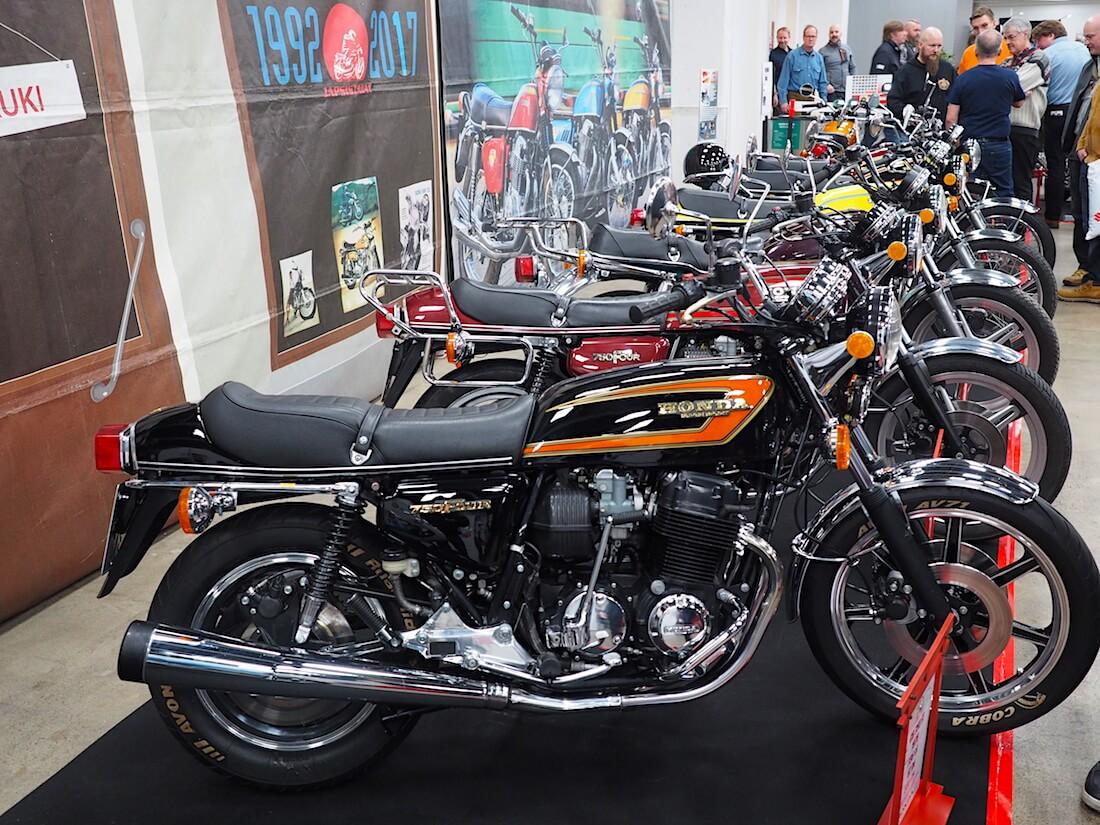 Honda CB750 Tuutti moottoripyöriä. Kuva: Kai Lappalainen. Lisenssi: CC-BY-40.