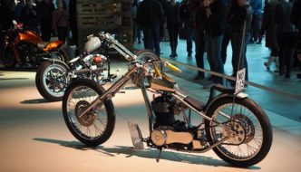 Suzuki Savage Chopper Custom. Kuva: Kai Lappalainen. Lisenssi: CC-BY-40.