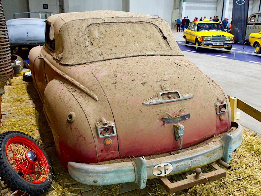 1946 Dodge Custom Convertible barnfind Fluid Drive. Kuva: Kai Lappalainen. Lisenssi: CC-BY-40.