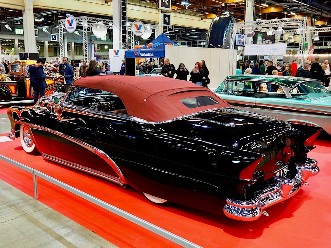 Timo Herstin 1953 Buick Special 327cid Convertible Custom. Kuva: Kai Lappalainen. Lisenssi: CC-BY-40.
