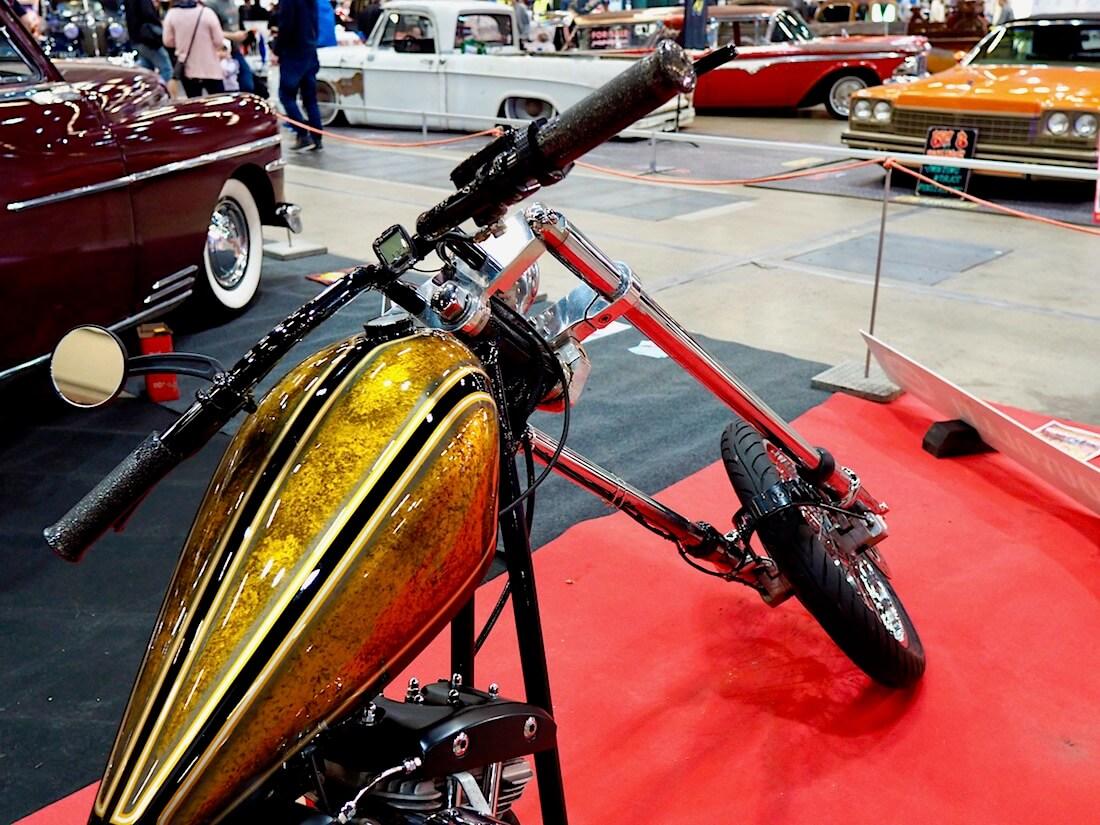 1975 HD Shivel Stroker Chopper. Kuva: Kai Lappalainen. Lisenssi: CC-BY-40.