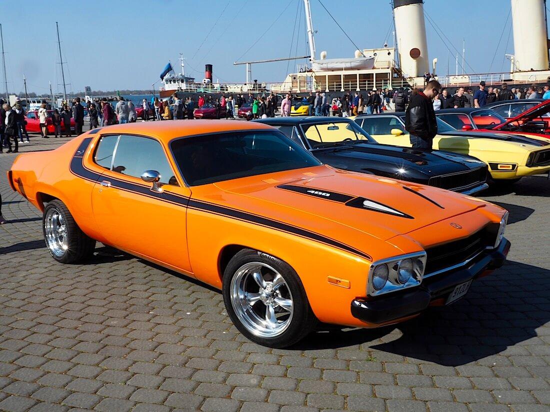Oranssi 1973 Plymouth Road Runner 400cid. Kuva: Kai Lappalainen. Lisenssi: CC-BY-40.