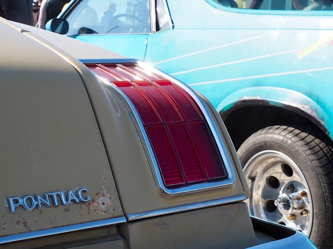 1975 Pontiac Grand LeMans takavalo. Kuva: Kai Lappalainen. Lisenssi: CC-BY-40.