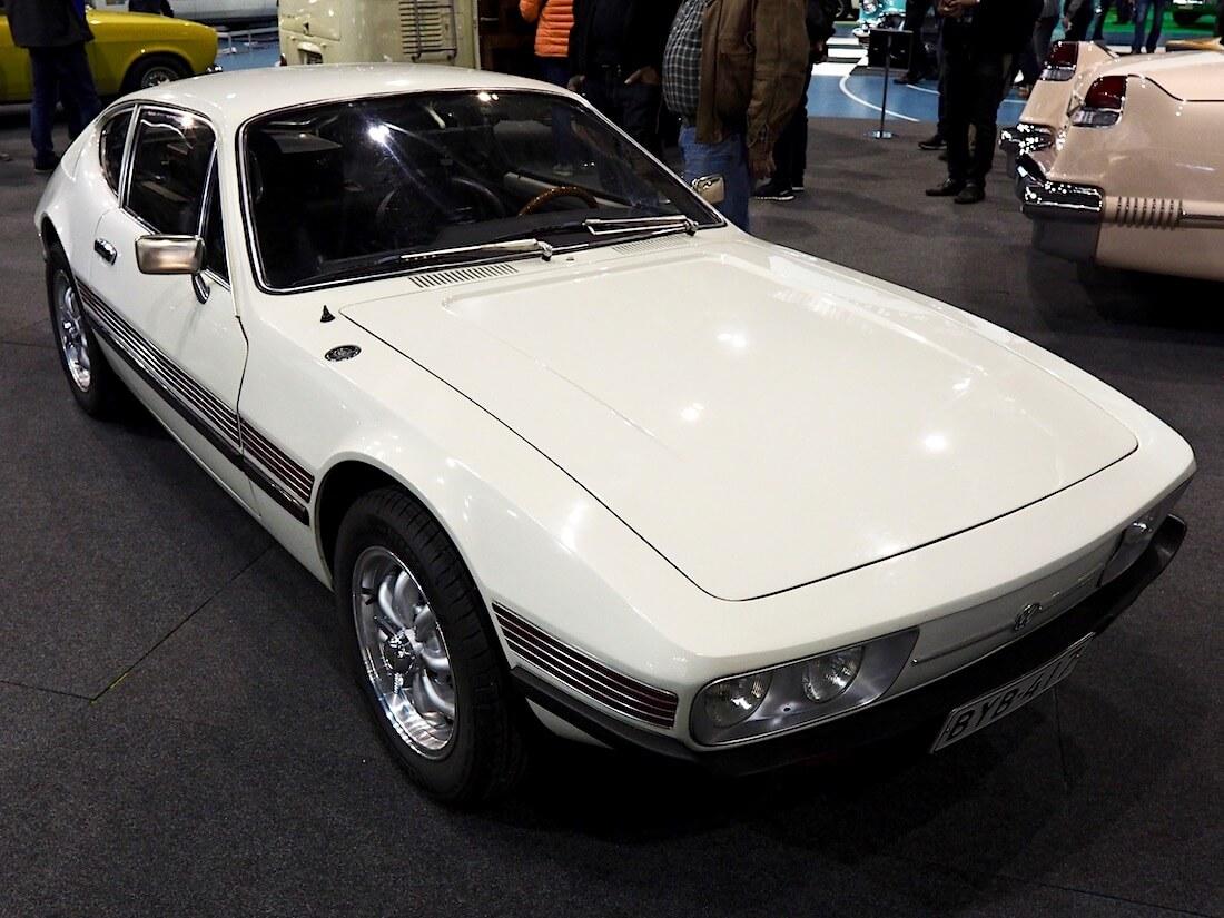 Valkoinen 1973 Volkswagen SP2 urheiluauto on tuotu Portugalista. Kuva: Kai Lappalainen. Lisenssi: CC-BY-40.