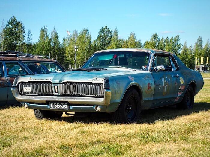 Patinoitunut 1967 Mercury Cougar V8