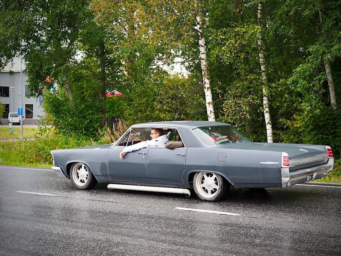 1963 Pontiac Bonneville 4d HT 389cid V8.
