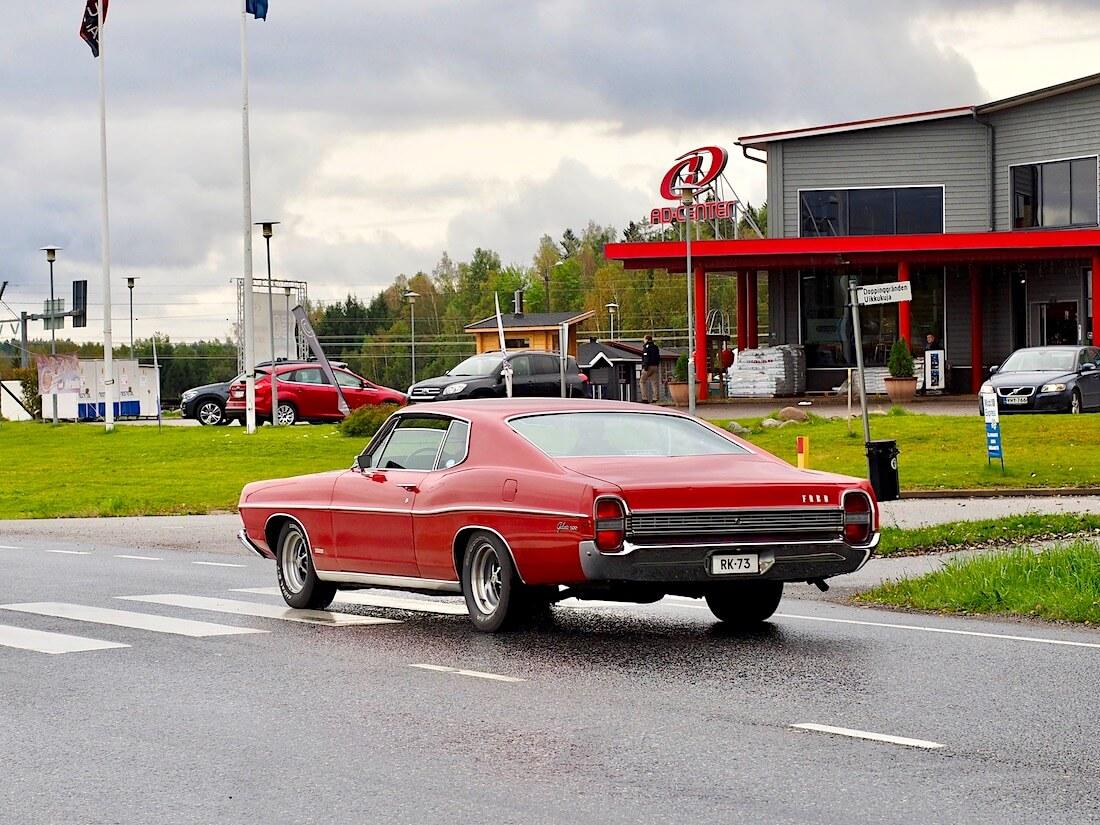 Punainen 1968 Ford Galaxie Fastback 390cid V8
