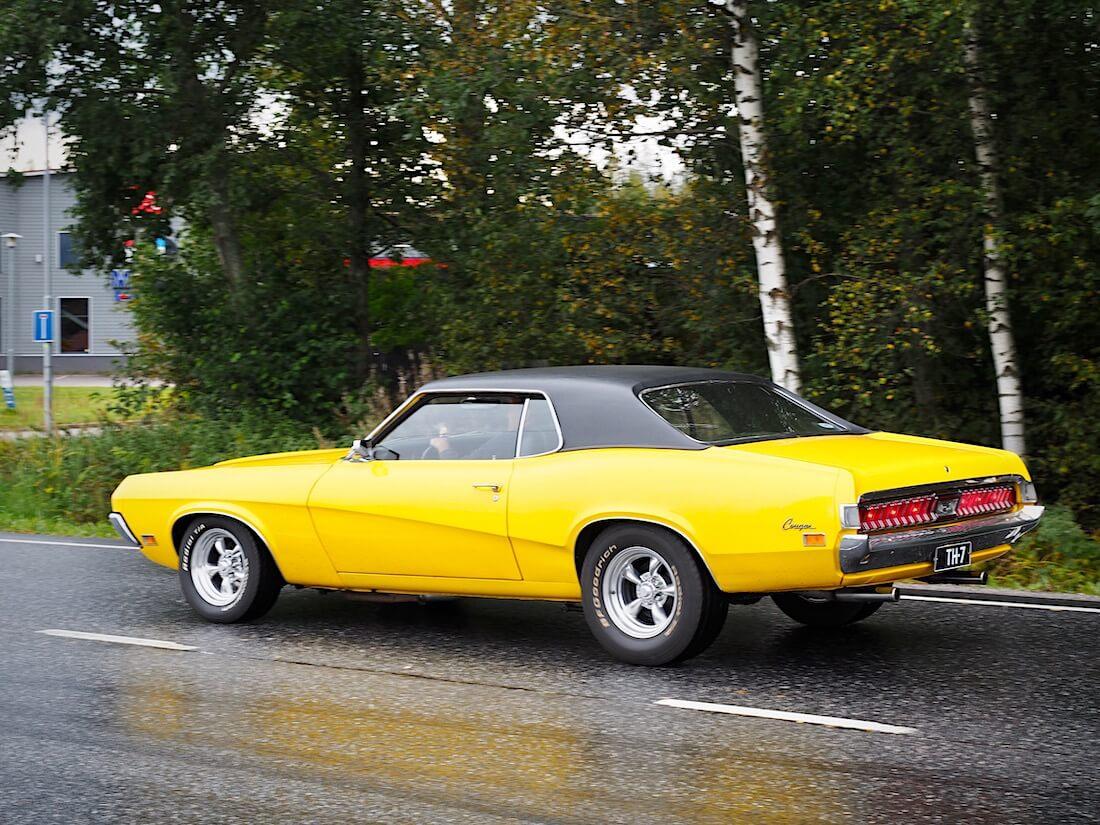 1970 Mercury Cougar liikenteessä