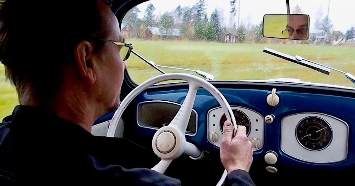 Heikki Naapuri ajaa 1951 VW kuplalla