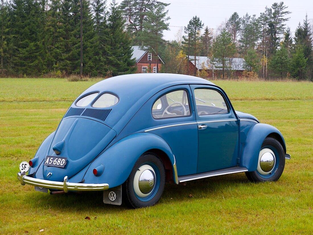 1951 VW kupla urheilukentällä