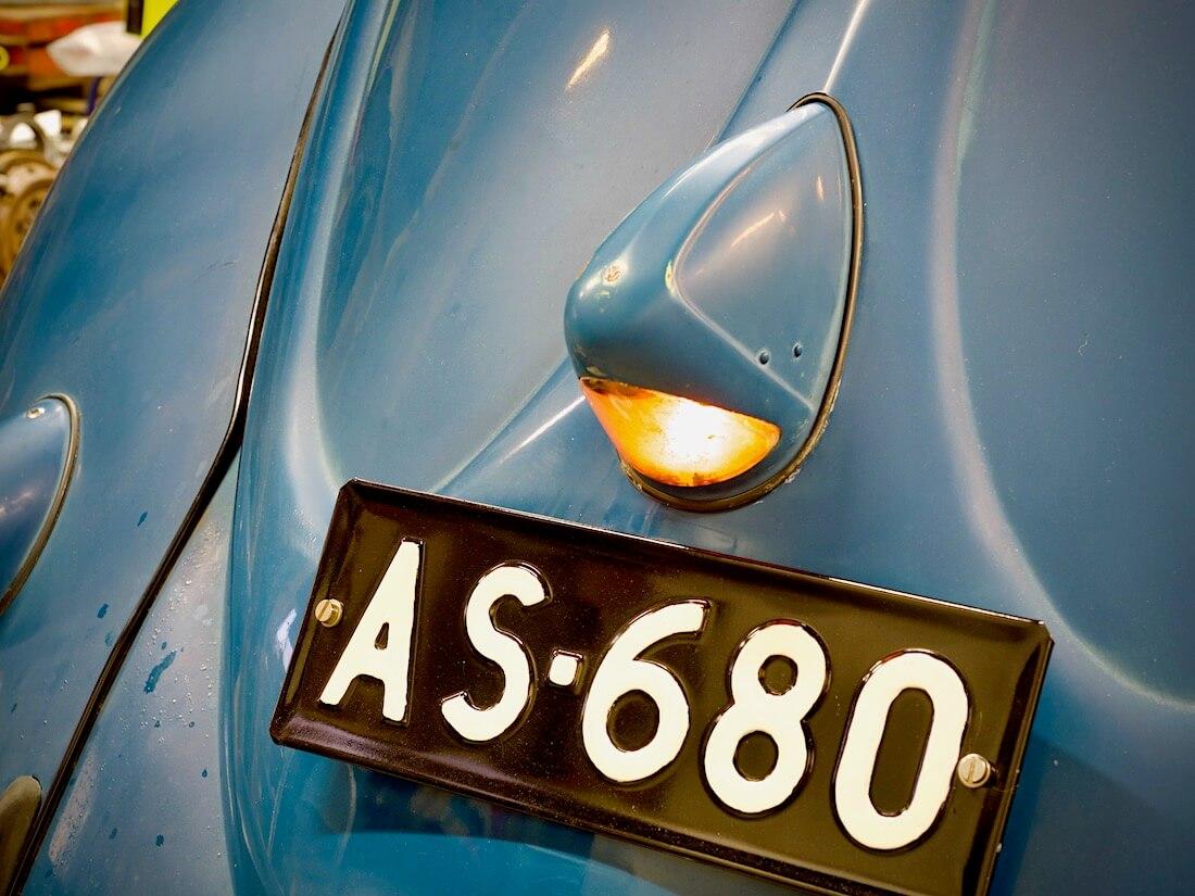 1951 VW kuplan paavinnenä jarruvalo
