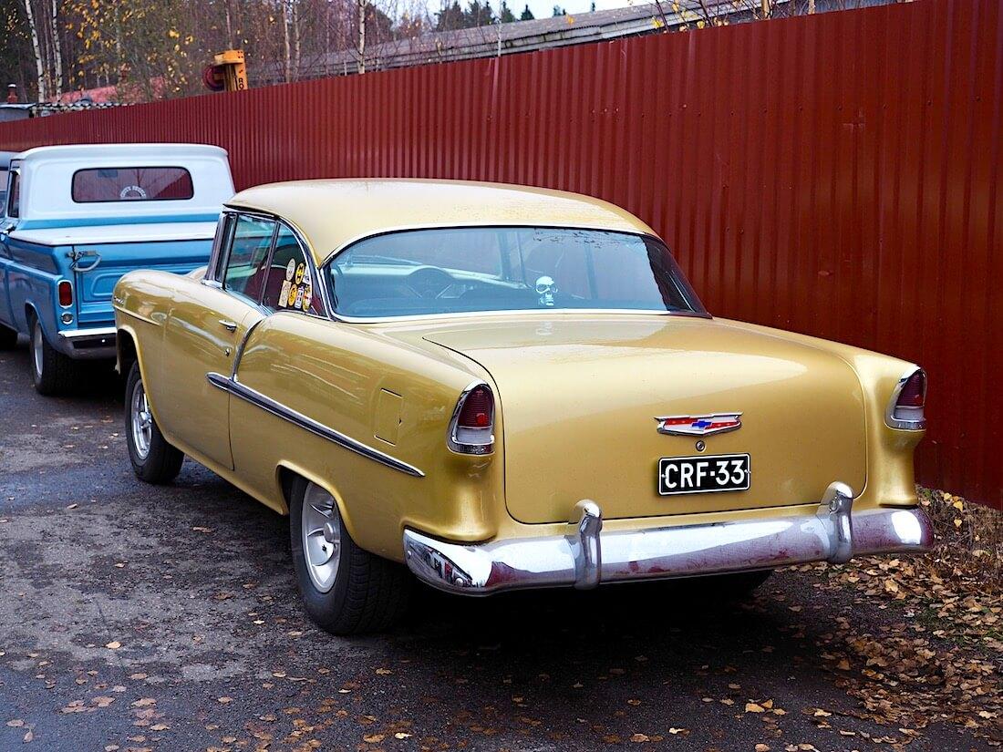 Kultainen 1955 Chevrolet BelAir 348cid