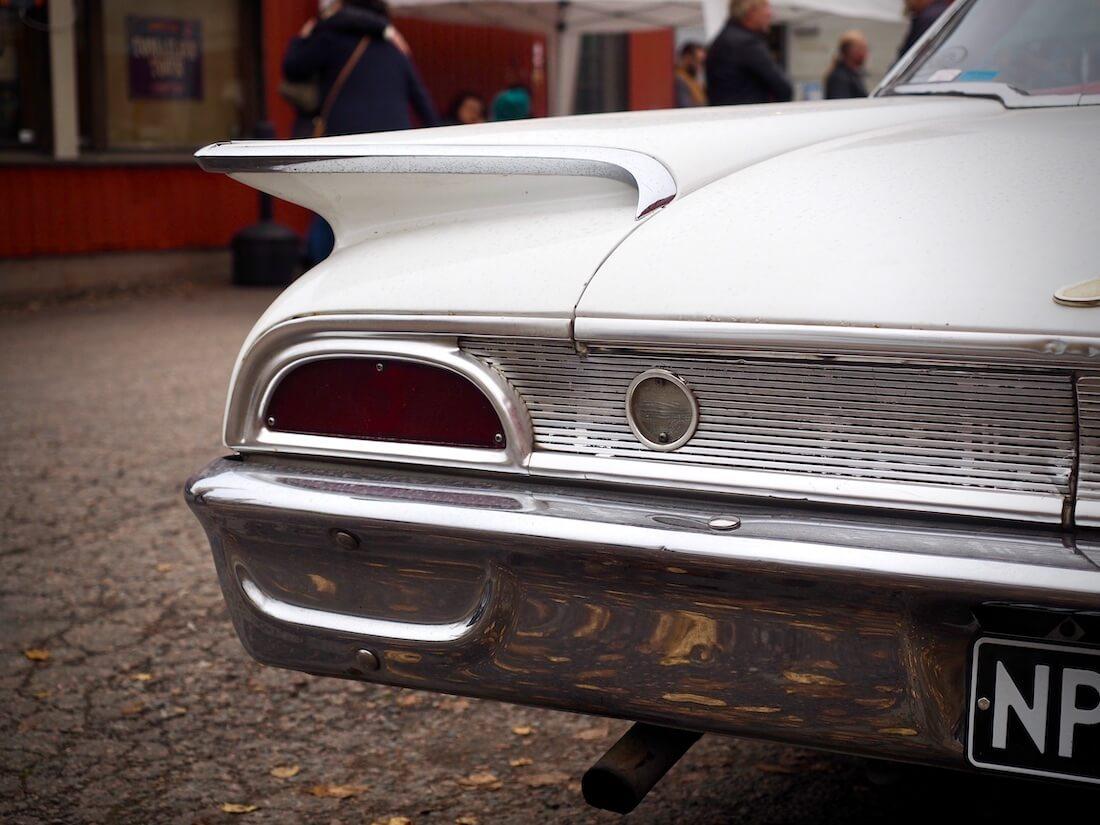 1960 Ford Starliner jenkkiauton siipi