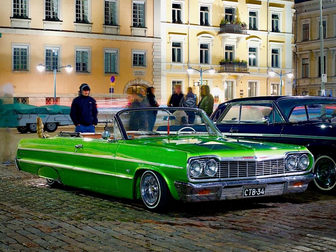 1964 Chevrolet Impala syksyisellä kauppatorilla