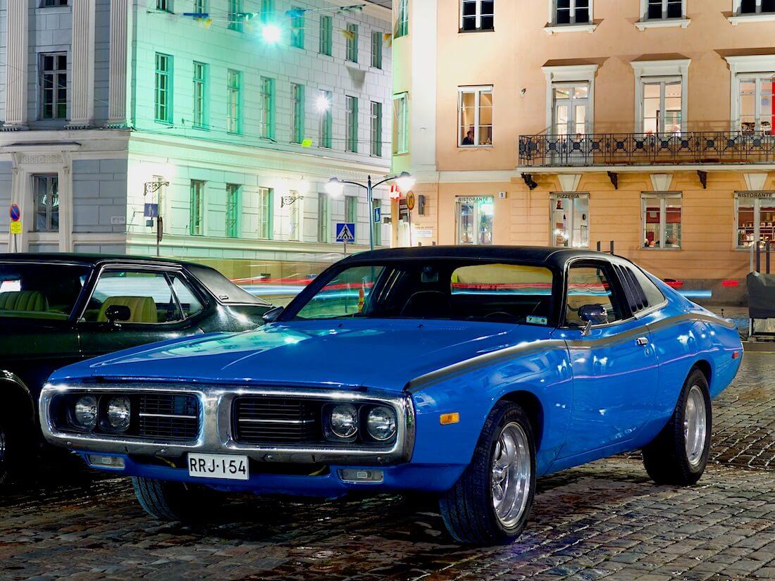 Sininen 1973 Dodge Charger SE 440cid V8