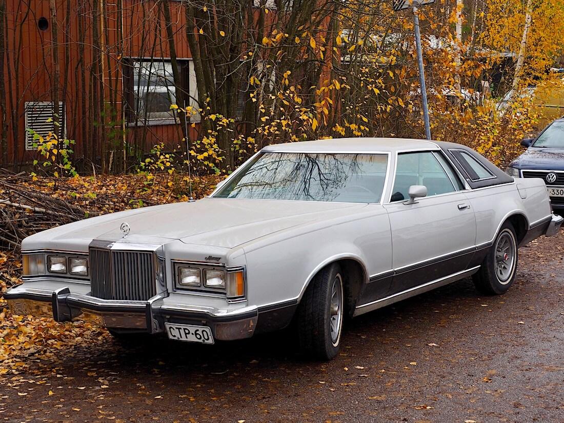 Harmaa 1977 Mercury Cougar coupe 351cid V8 XR-7