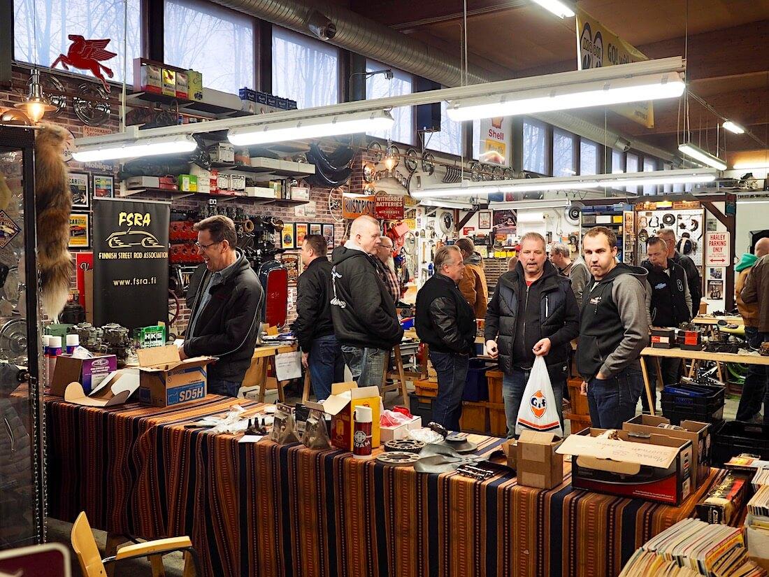 Rompetori Tomahawk Town -tallilla Helsingissä