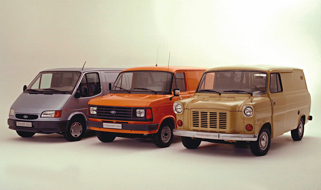 1972, 1978 ja 1994 Ford Transit pakettiautot