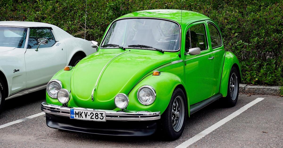 1303 Volkswagen 1303S Kamei spoilerilla ja KPZ-vanteilla