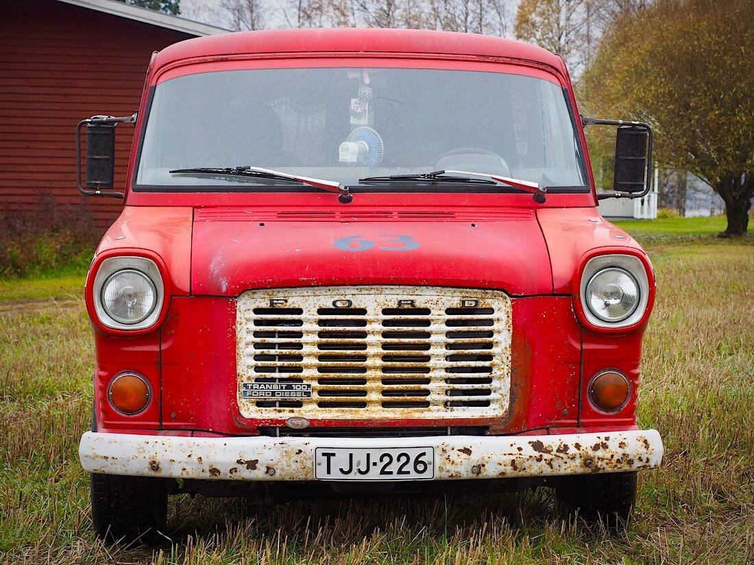 Turboahdettu ja muutoskatsastettu Ford Transit Mk1
