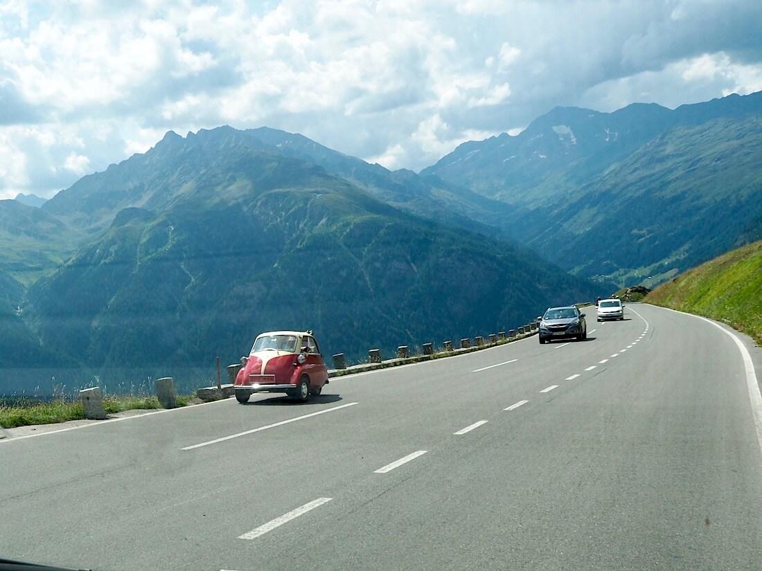 BMW Isetta kääpiöauto Grossglockner-vuorella