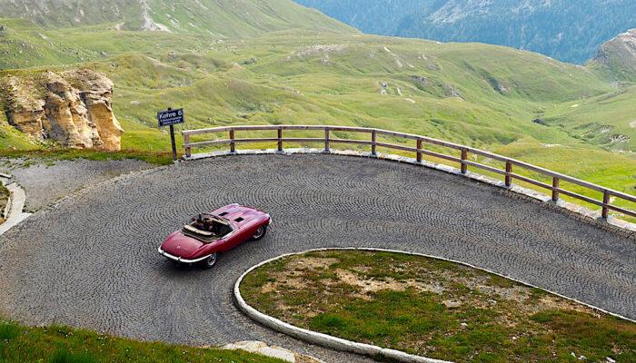 Jaguar E-type avo Grossglockner vuorella