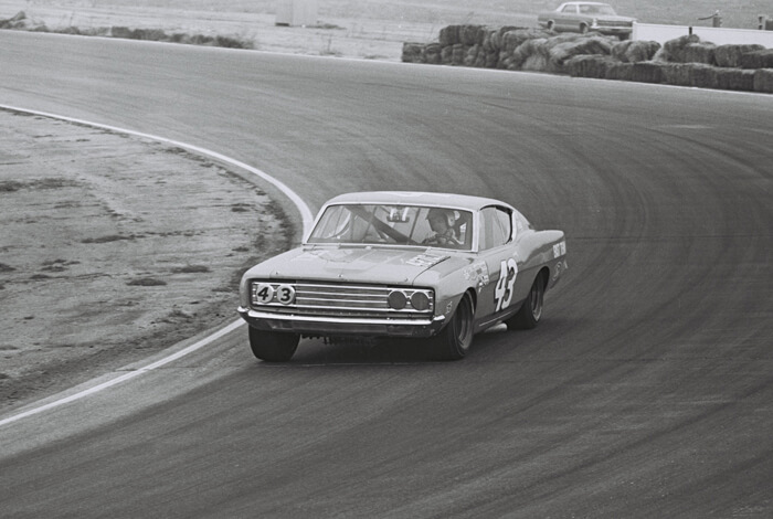 Richard Petty radalla Ford Torinolla