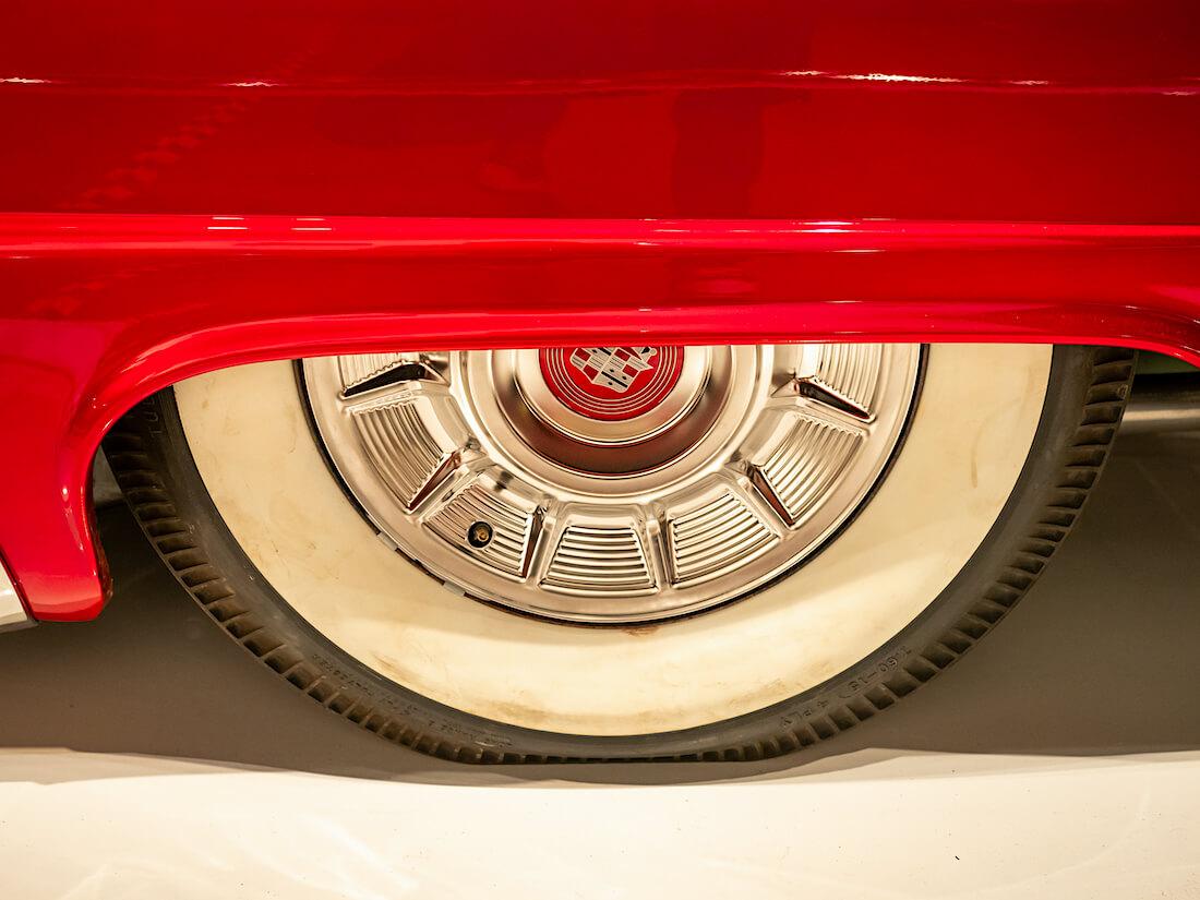 1952 Buick customin pölykapseli
