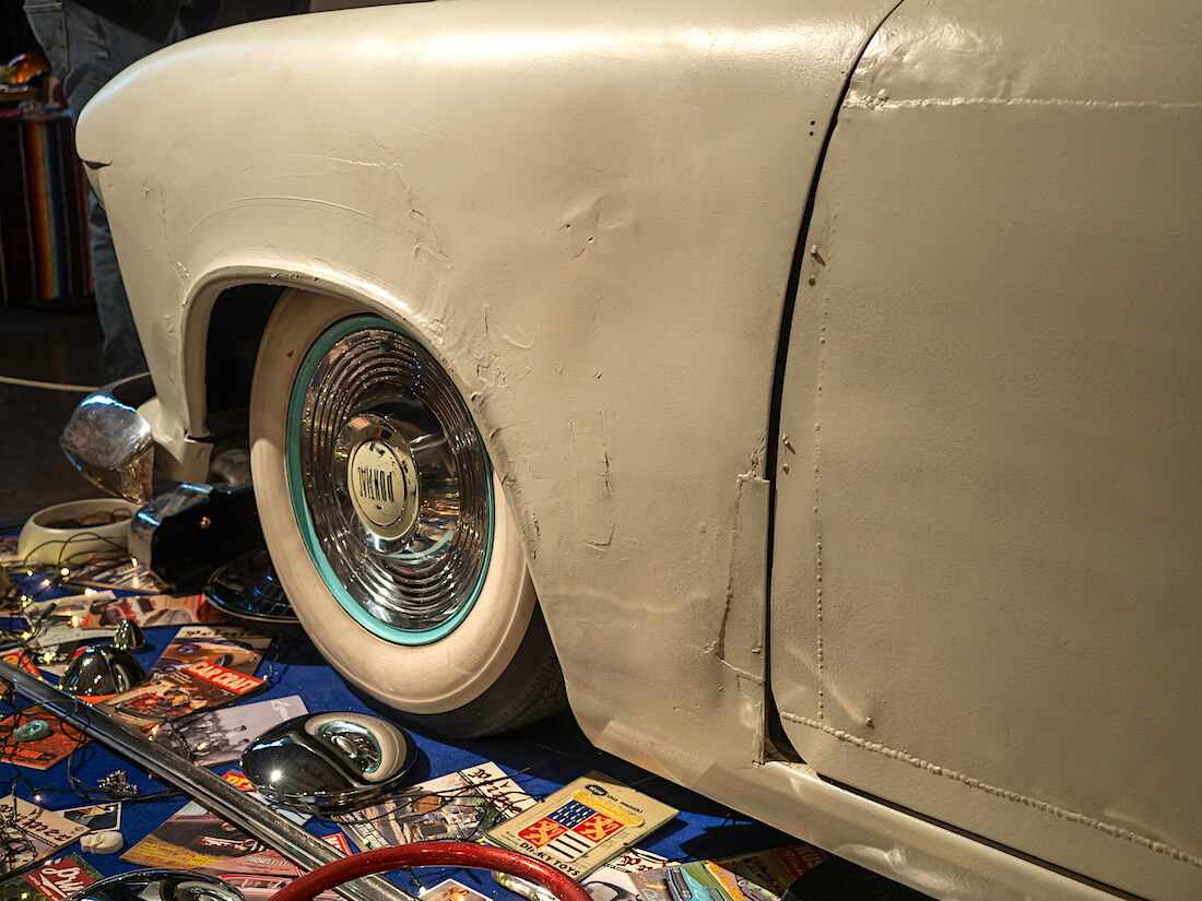 Custom-Fordin etulokasuoja