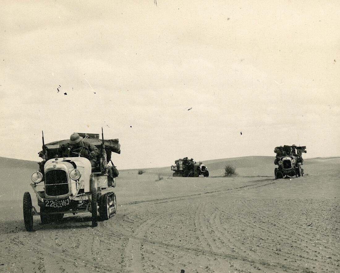 Citroen autoja Saharan aavikolla vuonna 1922.