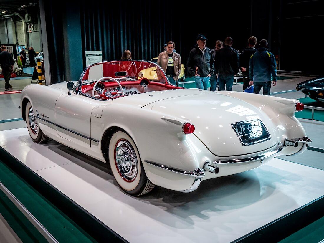 Valkoinen 1955 Chevrolet Corvette