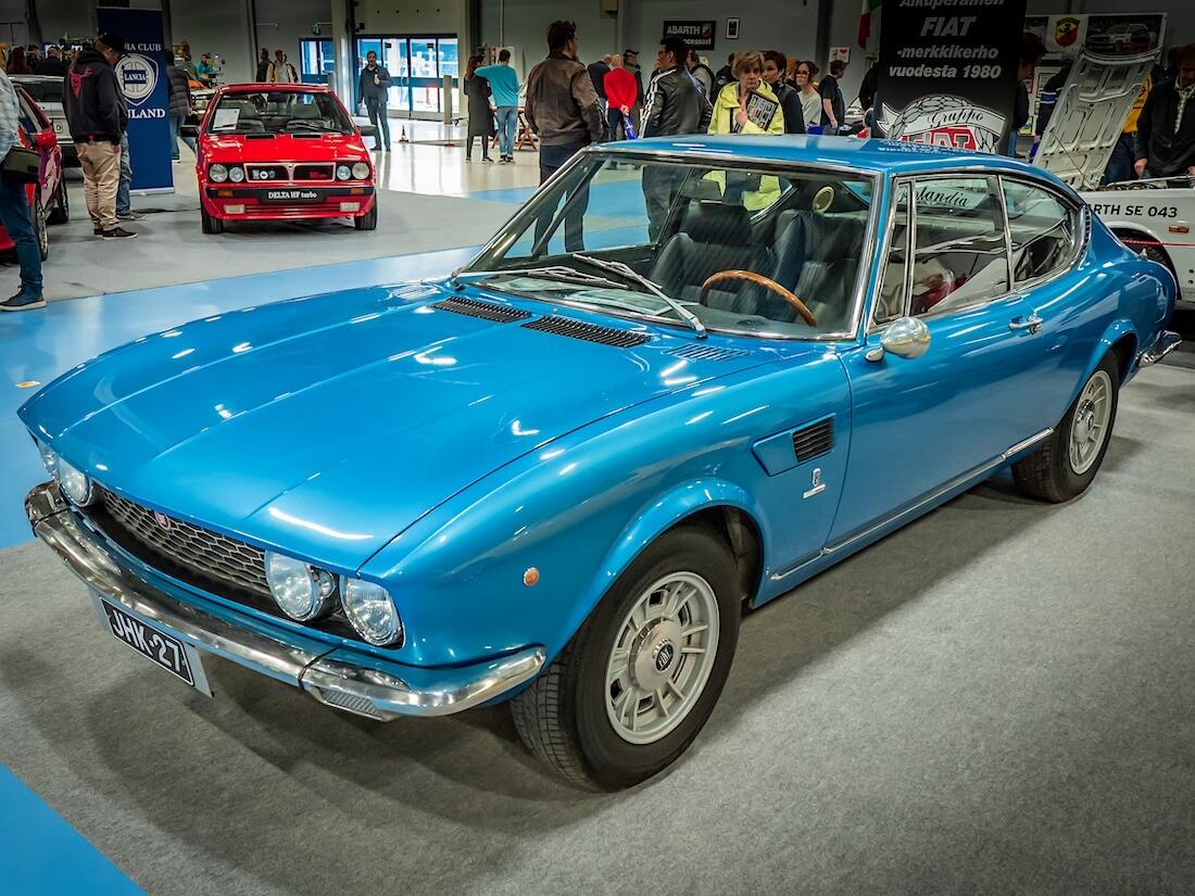 Sininen 1967 Fiat Dino