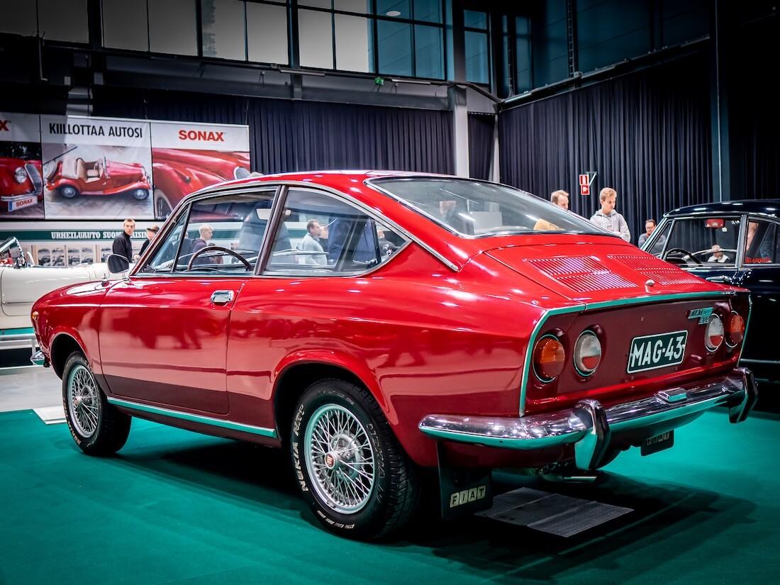 Alkuperäisen 850 Coupen ja vuonna 1968 esitellyn 850 Sport Coupen erottavat mm. Sport Coupen apuvalot ja takapään terävämpi jättöreuna.