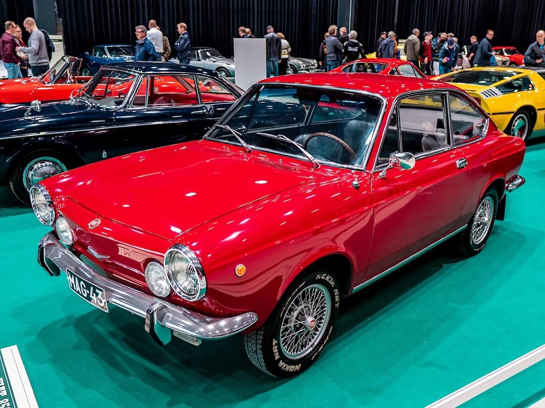 Punainen 1970 Fiat 850 Sport Coupe
