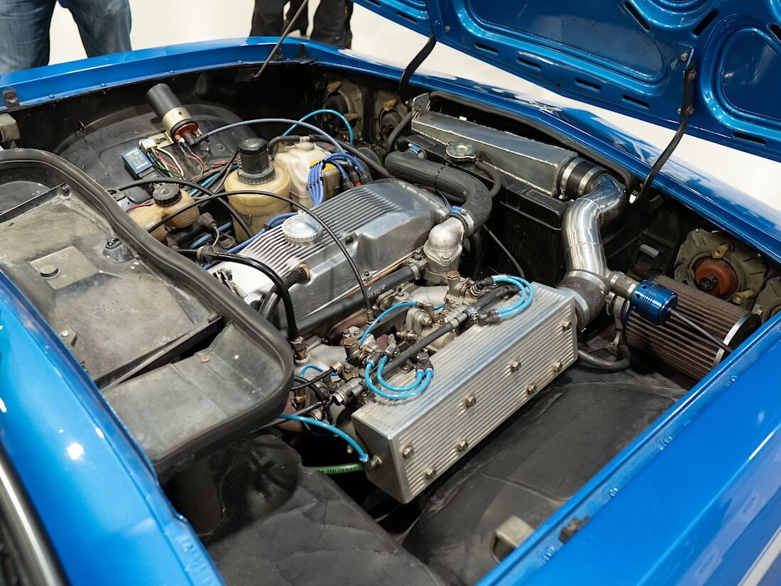 1971 Opel Manta A turboahdettu moottori