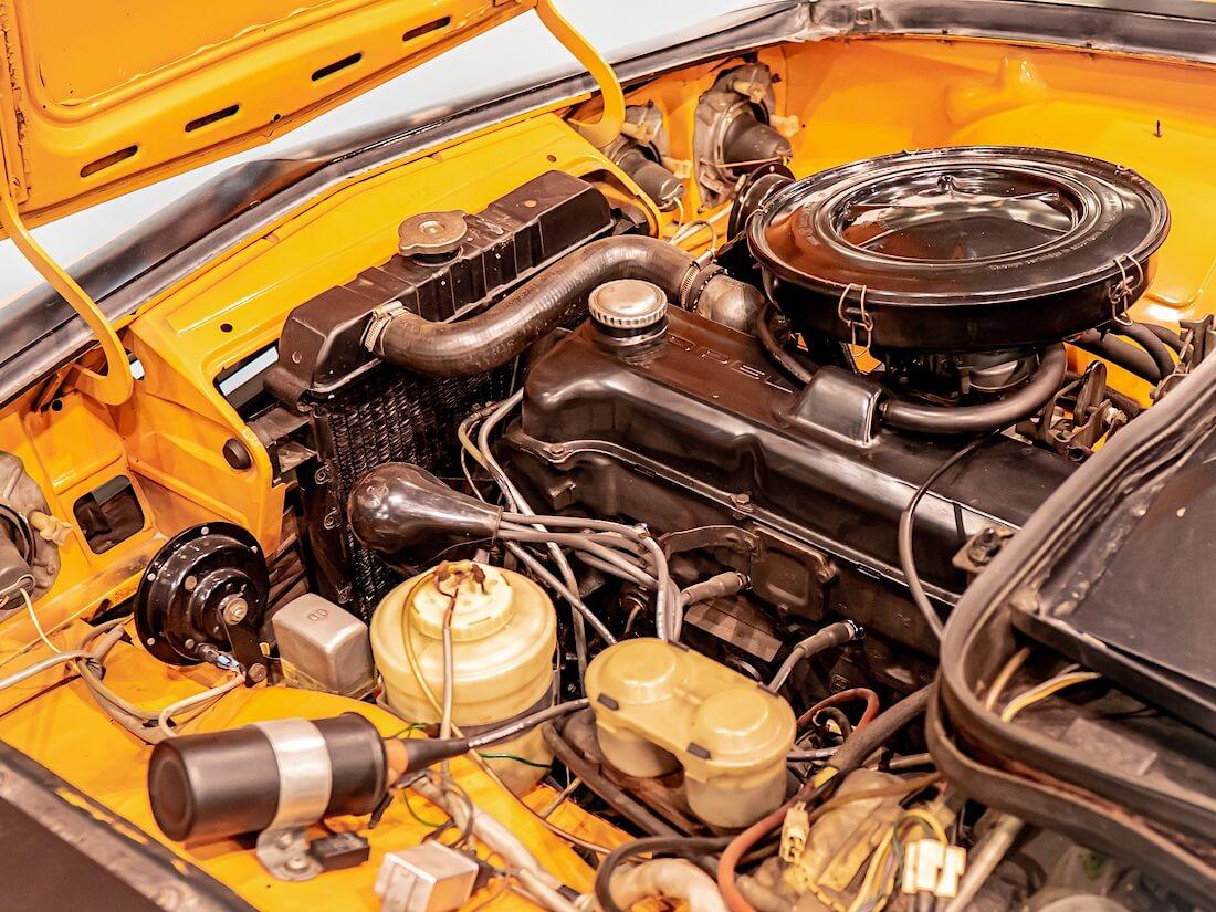 1972 Opel Manta A SR moottoritila