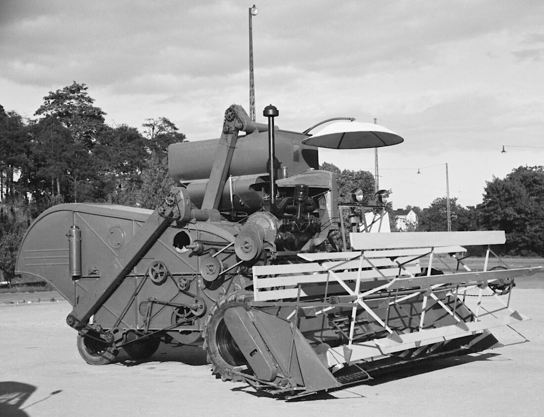 1947 Stalinets-4 leikkuupuimuri