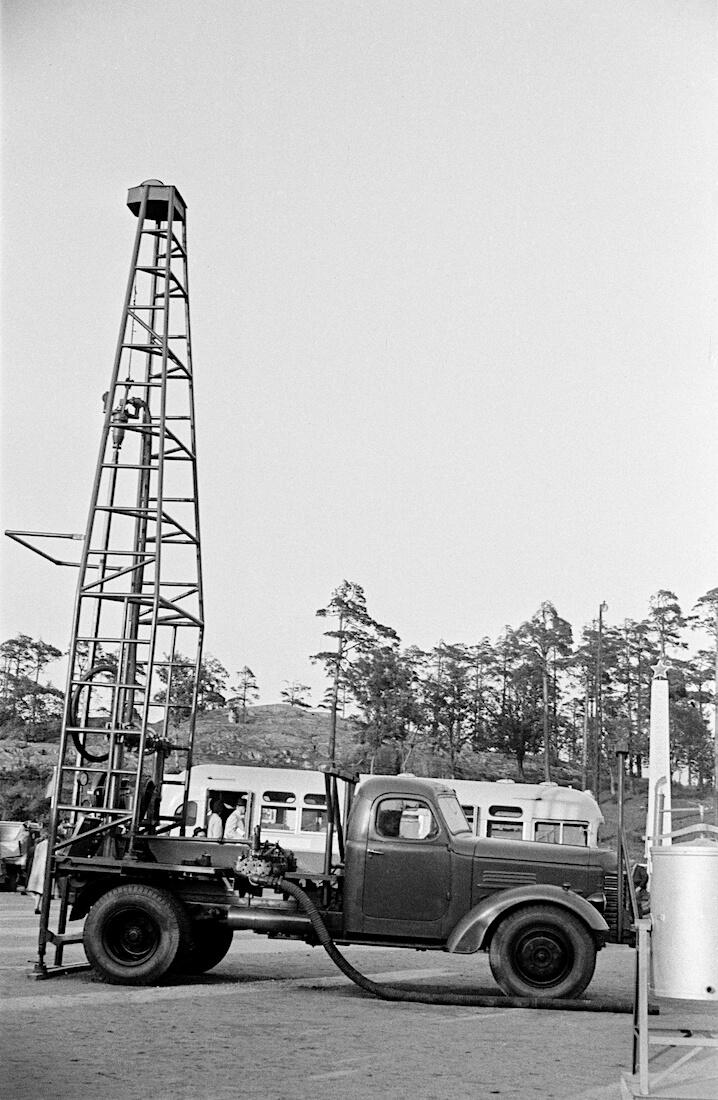 Erikoisvarusteltu 1948 ZIS-150 kuorma-auto