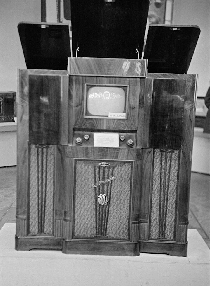Neuvostoliittolainen televisiolaite Helsingin messukeskuksessa
