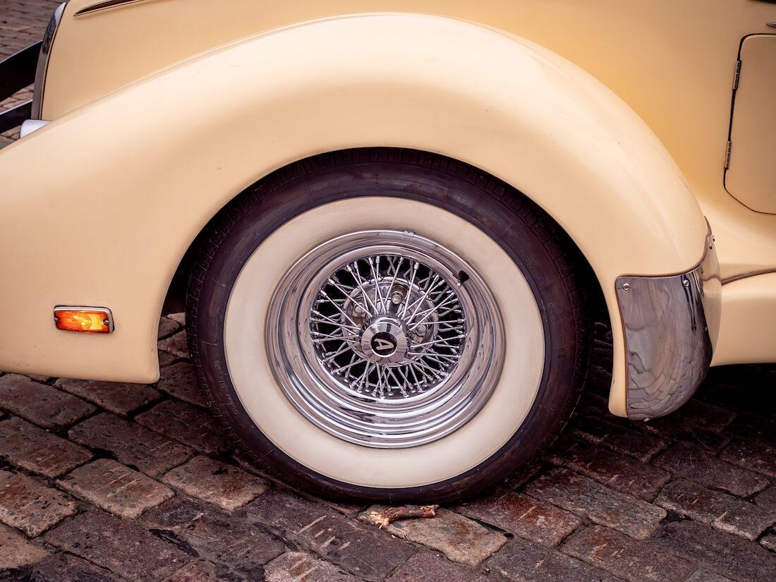 1936 Auburn Speedsterin pinnavanne