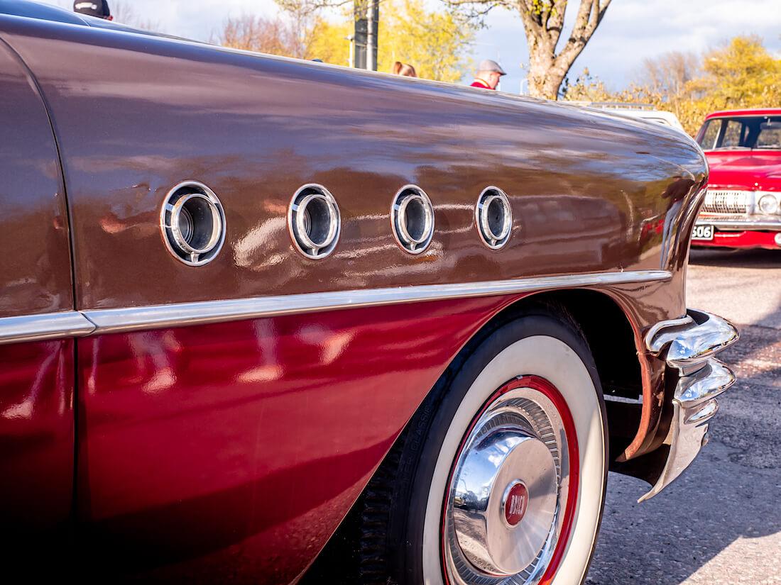 1955 Buick Century portholet