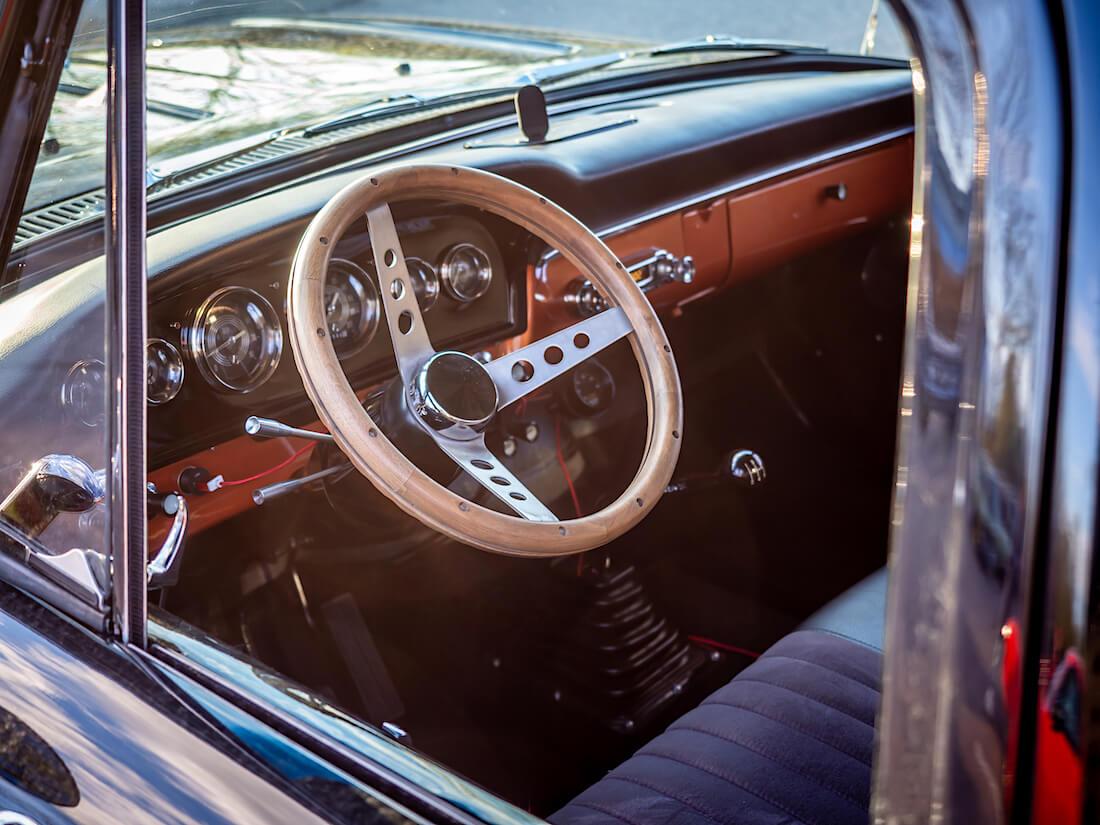 1966 Ford F-100 Custom Cab sisusta