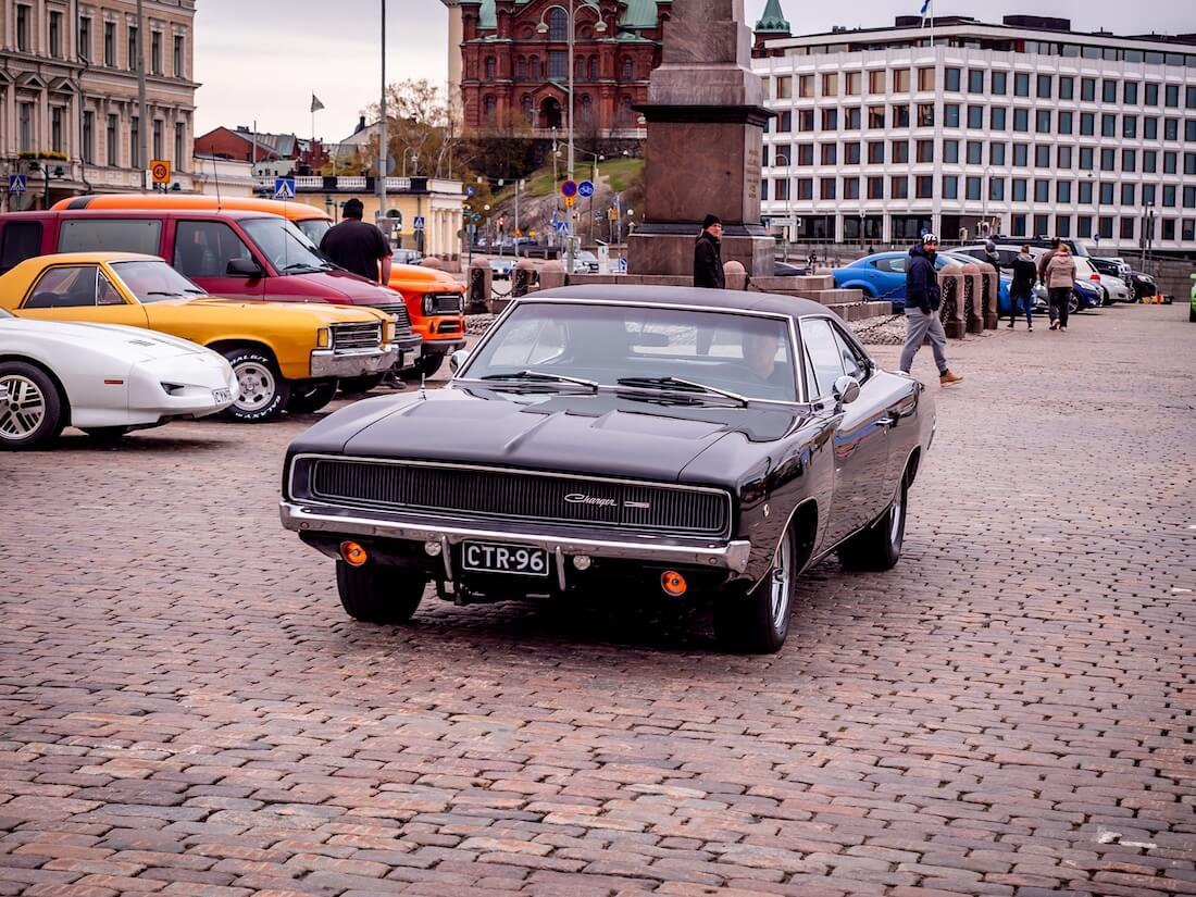 Musta 1968 Dodge Charger Kauppatorilla