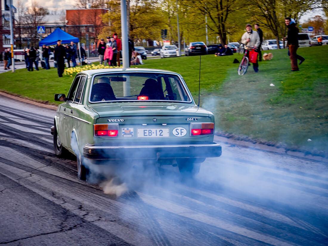 1975 Volvo 244 V8
