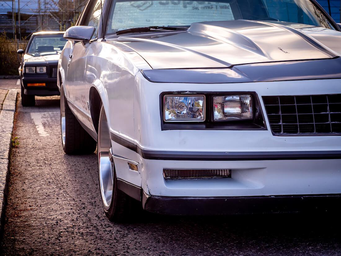 Chevrolet Monte Carlon sealed beam ajovalot