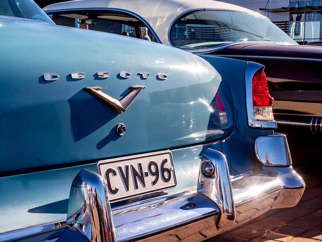 1955 DeSoto Fireflite V8 krominen takapuskuri