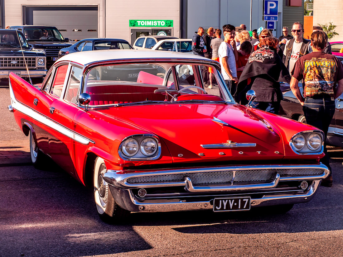 1958 DeSoto Firedome 4d Sedan 361cid V8 jenkkiauto Porvoossa